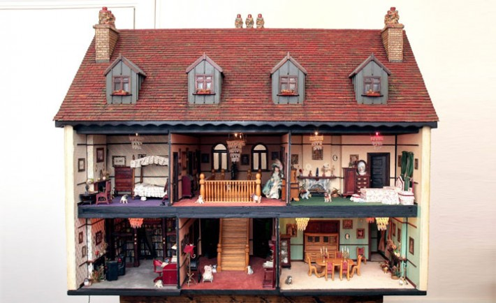 ***EXCLUSIVE*** BRIGHTON, UK: Peter Riches' dolls house that he has spent the last 15 years building, at his home in Brighton, UK. Peter Riches, 64, is planning his first ever glitzy world cruise after being offered £50,000 for his dollls house from a Canadian fan who spotted the retired builder's 23 room masterpiece online. The tiny 10-bed mansion took Peter a painstaking 15 years to complete and boasts servants quarters, a hand-crafted games room with snooker table, a music room housing a grand piano and a well-stocked library with over 1000 separately bound books., Image: 35173854, License: Rights-managed, Restrictions: WORLD RIGHTS, Model Release: no, Credit line: Profimedia, Barcroft Media